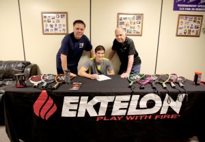 Jansen Allen signed his contract with Ektelon at the historic Maverick Athletic Club in Arlington, Texas with Maverick Athletic Club Program Director Leo Vasquez (left) and Owner Bob Sullins (right) looking on. Photo by Dale Gosser.